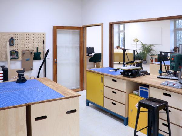 Atelier de fabrication du Tiers Lieu Quartiers Libres de Saint Maixent L'école